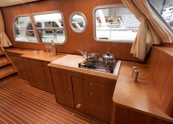 Linssen-34.9-AC-Salon-bb.jpg